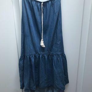 NEVER WORN Chambray skirt